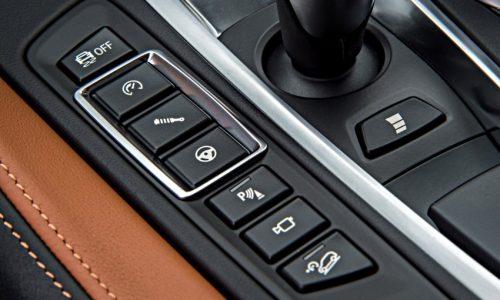 2015 / BMW X6 M
